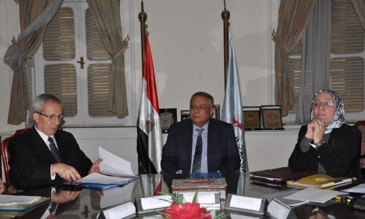 أبو النصر يرأس الاجتماع الثاني للجنة الوزارية للتعليم الفني