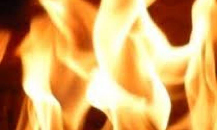 زوج يشعل النيران في زوجته وأسرتها بالدقهلية