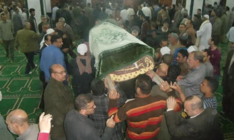 تشييع جنازة شهيد الجيش باطسا وسط غضب شعبي لغياب المسؤلين