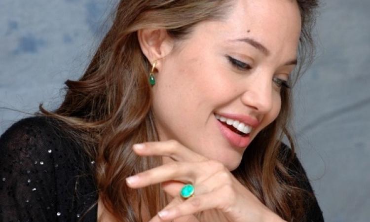 بالفيديو.. أنجلينا جولي: كنت محظوظة لهذه الأسباب
