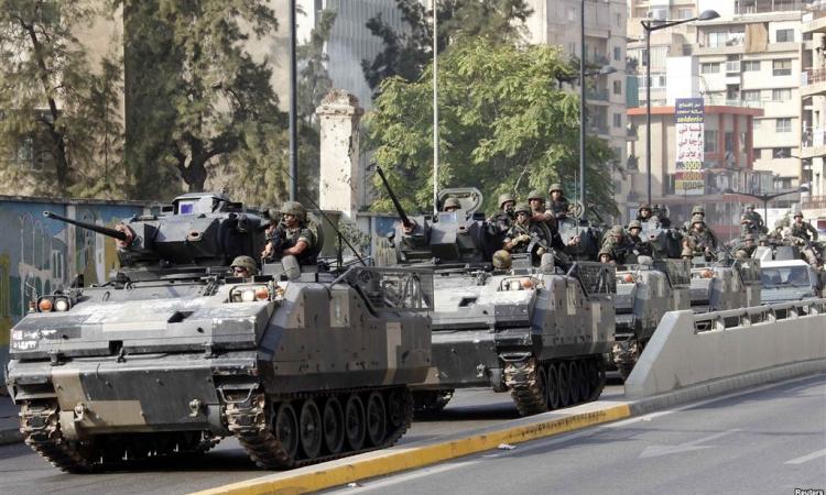 مجهول يلقي قنبلة في طرابلس بشمال لبنان