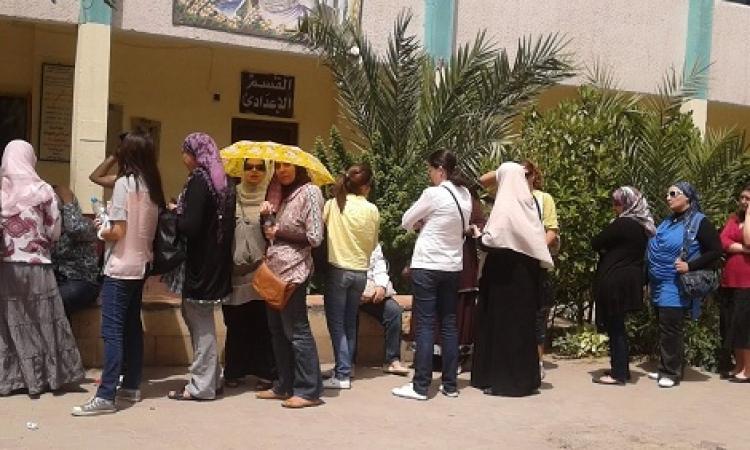 شكاوى وبكاء لعدم وجود أسماء الوافدين في لجان انتخابية بالغردقة