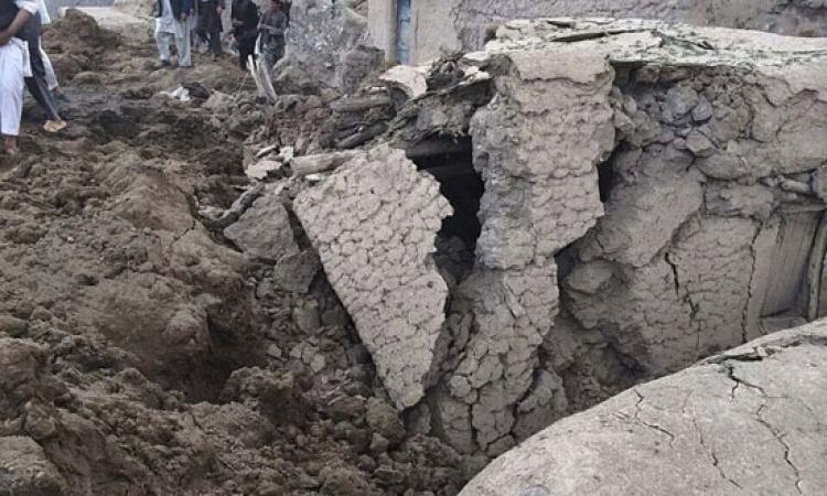 مقتل 35 فردا من أسرة واحدة جراء انهيار طيني في أفغانستان
