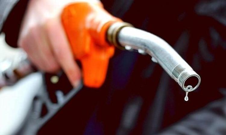 السعودية «تهدي» مصر مليون طن بنزين وديزل