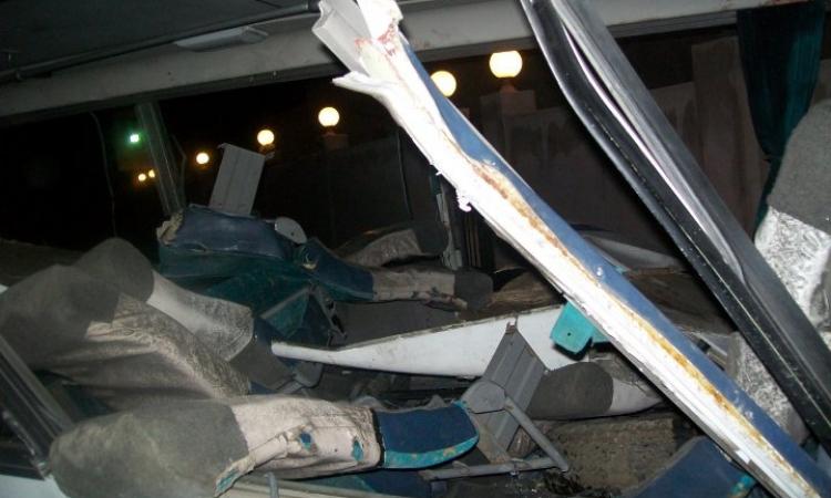 مصرع مجند وإصابة 22 آخرين في تصادم سيارة أمن مركزي بمقطورة نقل بالغربية