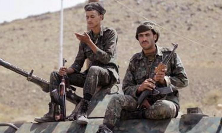 مقتل 8 جنود و10 عناصر بتنظيم القاعدة في هجومين على معسكريين باليمن