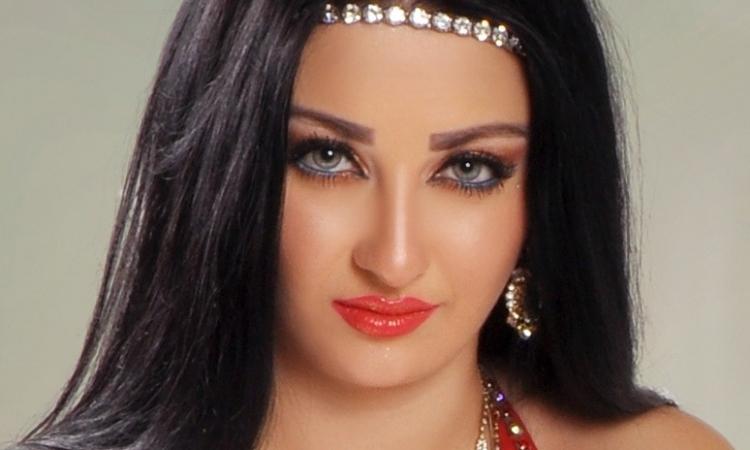 «صافيناز» ترفض ترحيلها: تعلقت بمصر وأتمنى الزواج من شاب مصري
