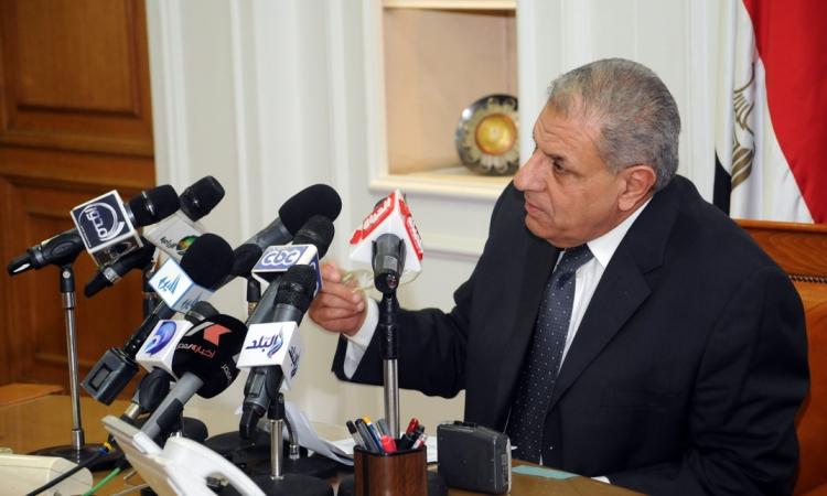 محلب ينعي شهيد رفح.. ويؤكد: الشعب المصري قادر على هزيمة الإرهاب ودحر مخططاته