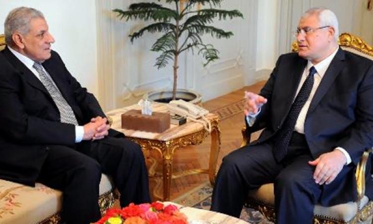 «منصور» يبحث مع «محلب» وعدد من الوزراء الشأن الليبي وانعكاساته على مصر