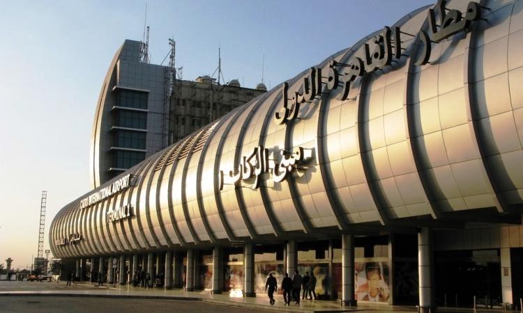 سفير إسرائيل الجديد يغادر القاهرة في أول أجازة له