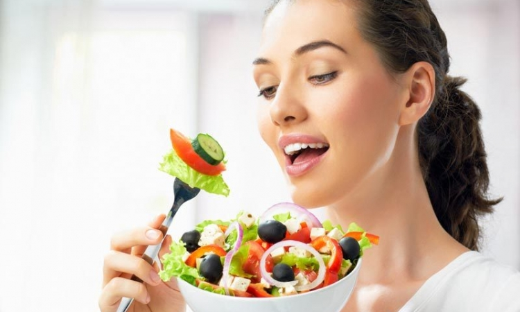 دراسة: إتباع نظام غذائي يقلل فرص انتشار سرطان الثدى