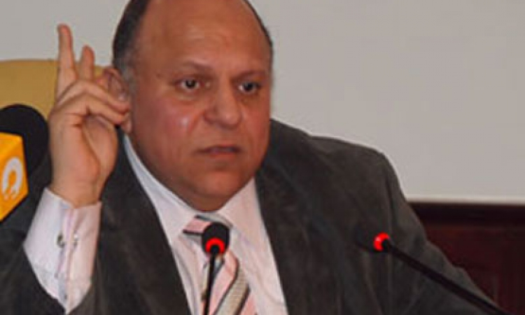 وزير التنمية الإدارية السابق: الجهاز الإداري المصري «كارثي».. وبعض الملفات الهامة توجد في «الحمامات»