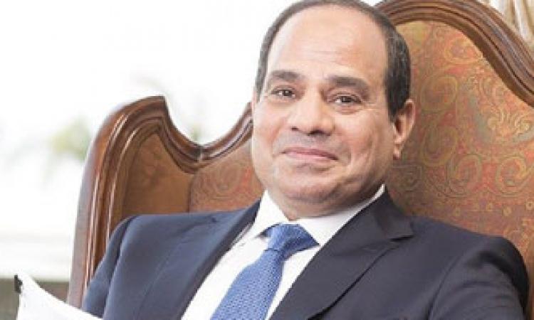 السيسي يهنئ المصريين والعرب بعيد الفطر