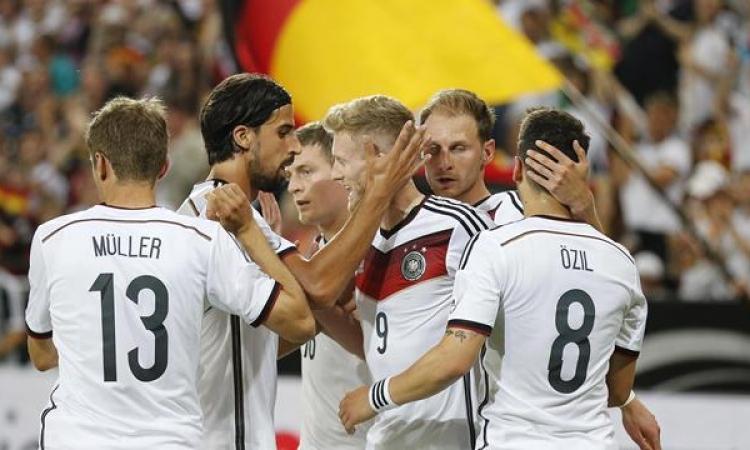 ألمانيا وايطاليا تبتكران قفازات للاعبين تساعد على خفض درجة الحرارة