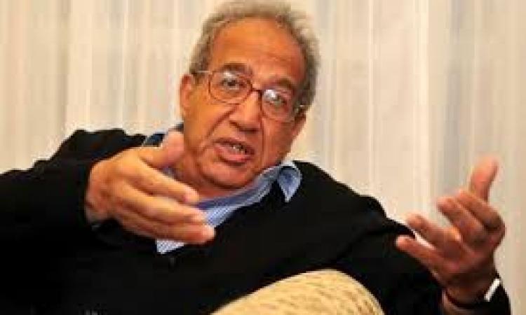 جلال أمين: غير مرتاح لفكرة التبرع لـ«الدولة».. ولا يجب رهن التقدم الاقتصادي بـ«مشاعر الكرم»