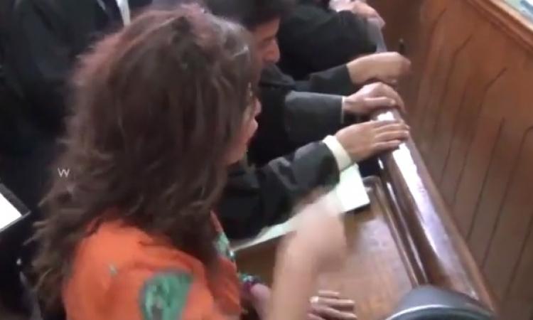بالفيديو .. شاهد ماذا قالت آثار الحكيم في المحكمة حول مقلب رامز قرش البحر ؟