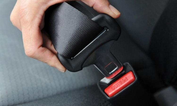 بدء تفعيل عقوبة الـ 150 جنيهًا غرامة عدم ربط حزام الأمان اعتبارا من اليوم