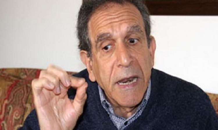 حسام عيسى: «السيسي» يسعى إلى تأسيس دولة قوية وليست «بوليسية»