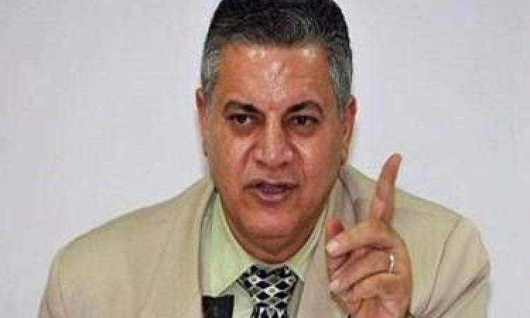 بالفيديو.. «الفخراني»: هناك مذيع بالجزيرة يعمل بالتلفزيون المصري حتى الآن
