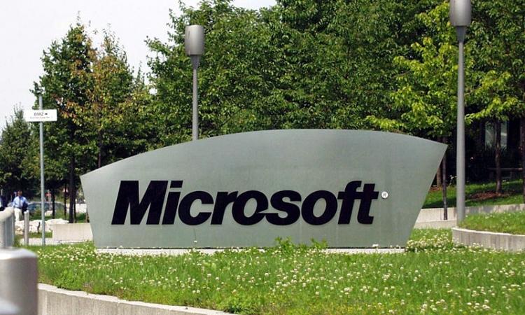 """""""مايكروسوفت"""" تعلن عن تحديث جديد لنسخة Windows 10 Mobile التجريبية"""