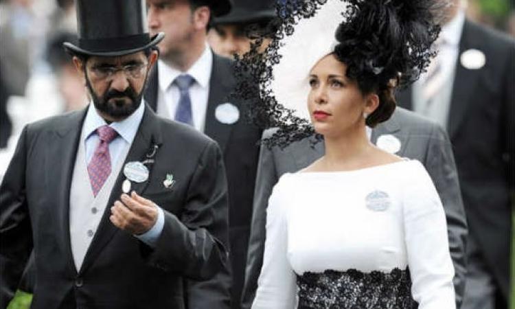 محمد بن راشد وزوجته بأزياء كلاسيكية في إنطلاق سباق خيل