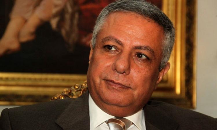 وزير التربية والتعليم يتبرع بنصف راتبه لصالح مصر