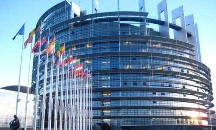 الاتحاد الأوروبي يشيد بإطلاق سراح منشق بيلاروسي