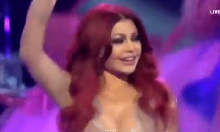 """بالفيديو .. هيفاء """" فرحانة """" في الحفل النهائي لشكلك مش غريب"""