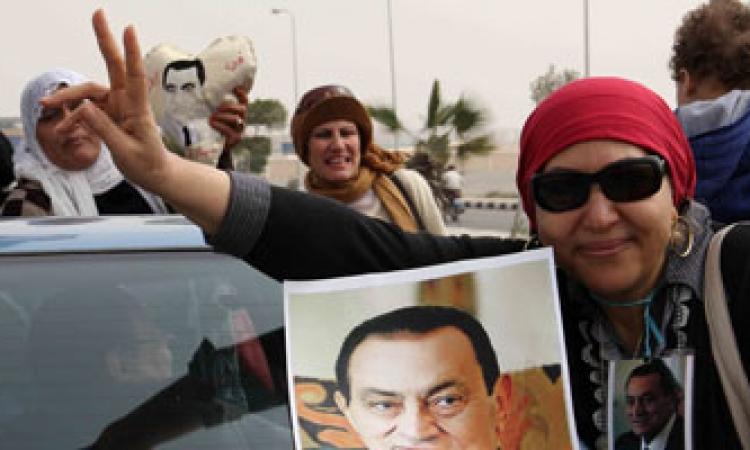 توافد «أبناء مبارك» على أكاديمية الشرطة لحضور جلسة محاكمته