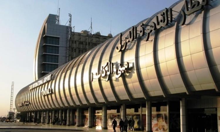 وزير الشباب والرياضة الفلسطيني يصل إلى القاهرة