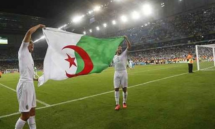 الجزائريون بفرنسا يحتفلون بتأهل منتخبهم للدورالثانى لمونديال البرازيل