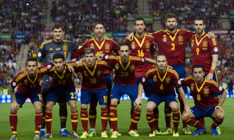نهائى مبكر بين أسبانيا وهولندا فى مونديال البرازيل