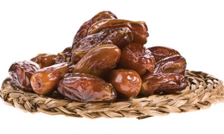 التمر والسحور مفيدان للنساء فى رمضان