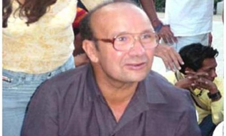 بلاغ يتهم الكاتب نصار عبد الله بالتحريض على القتل