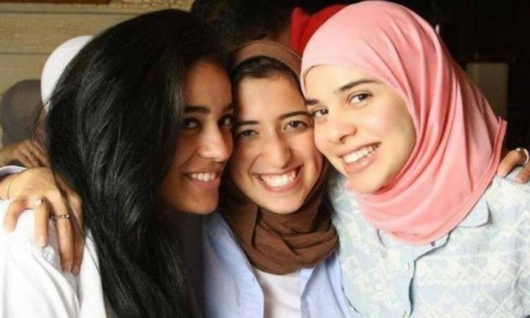 بالصور..  ابنة السيسي مع زوجها تشعل الفيسبوك