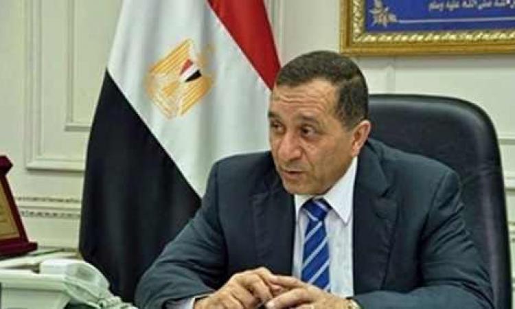 محافظ البحيرة ومدير الأمن يشاركان أهالى رشيد الاحتفال بفوز السيسى