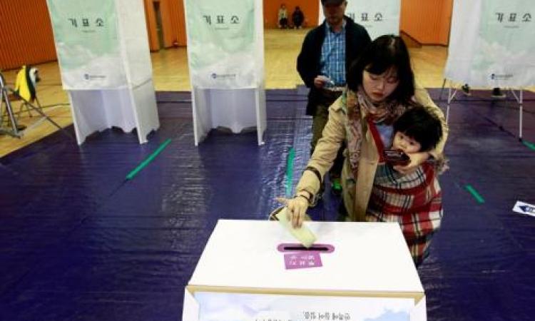 بدء الانتخابات المحلية في كوريا الجنوبية