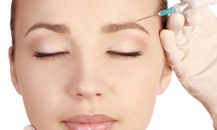 الحقن ببلازما الدم.. تقنية جديدة لإزالة تجاعيد الوجه