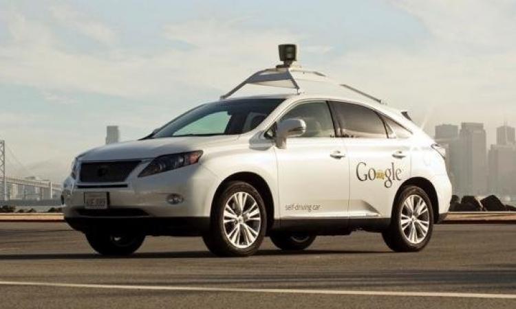 سيارة ذكية بدون سائق قريبا فى الأسواق