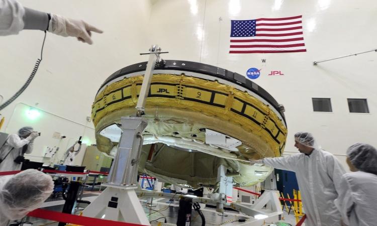 ناسا تؤجل إطلاق «طبق طائر» إلى المريخ