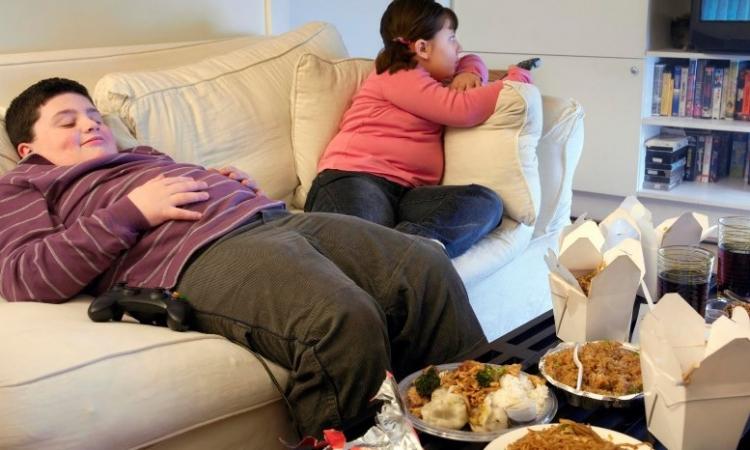 البدانة تزيد جراحات استبدال الركبة بين الصغار والبالغين