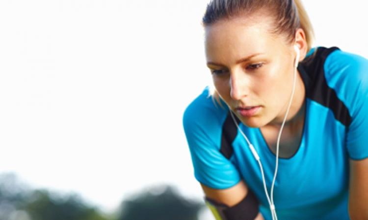 المرأة الرياضية في حاجة إلي اللبن المخلوط بالشيكولاتة والزبادي لحماية عضلاتها