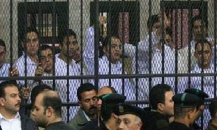 أحد المتهمين بخلية مدينة نصر يصرخ من داخل قفص الاتهام