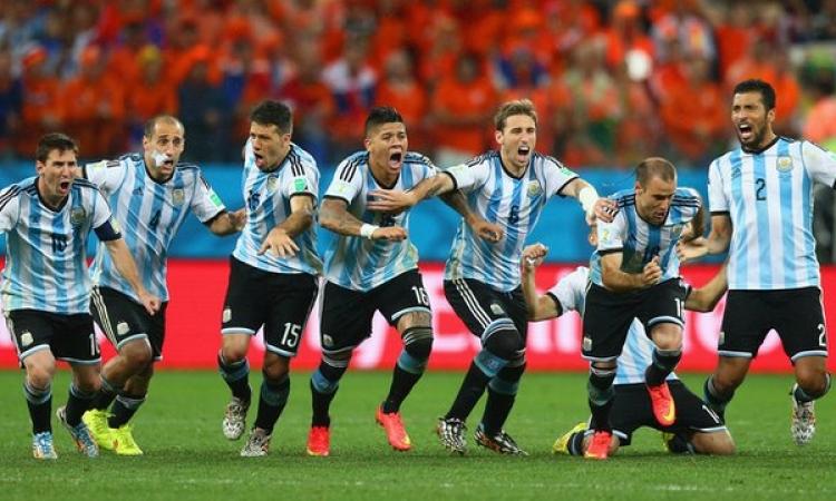 بالفيديو .. الأرجنتين تهزم هولندا بركلات الترجيح وتواجه ألمانيا في نهائي المونديال