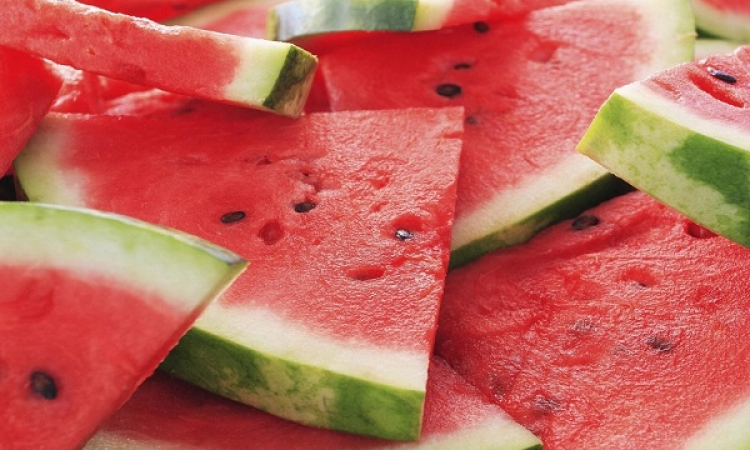 البطيخ والعدس أبرز الأطعمة لتقوية جهاز المناعة