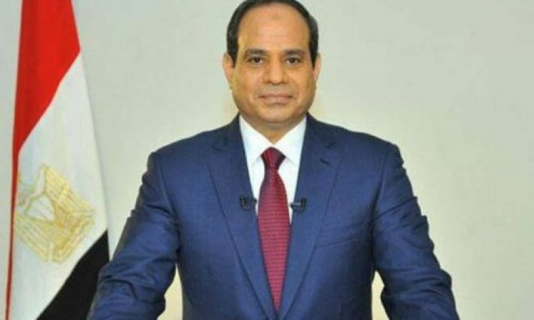 الرئيس السيسي يستقبل محلب ومجموعة من الوزراء