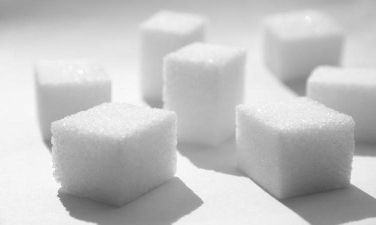 رغم كل ما يقال عن اضراره .. الامتناع عن تناول السكر يؤدى للوفاة