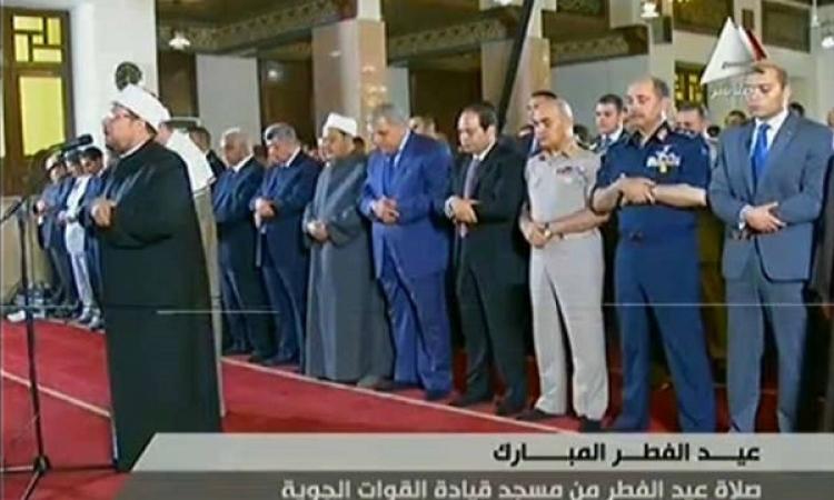 بالفيديو.. أول صلاة عيد للرئيس السيسي في مسجد القوات الجوية