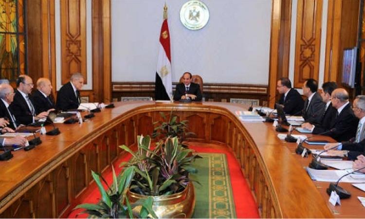 السيسي يكلف الحكومة ببدء تنفيذ خطة طرق التنمية