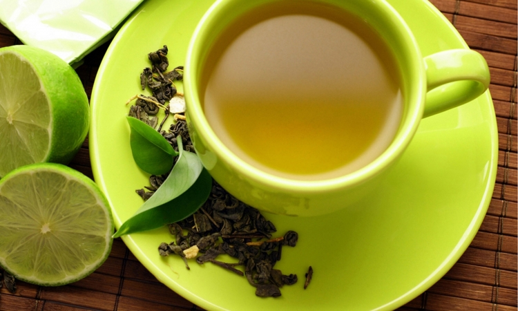 الاكثار من الشاي الأخضر قد يسبب تسمم الكبد